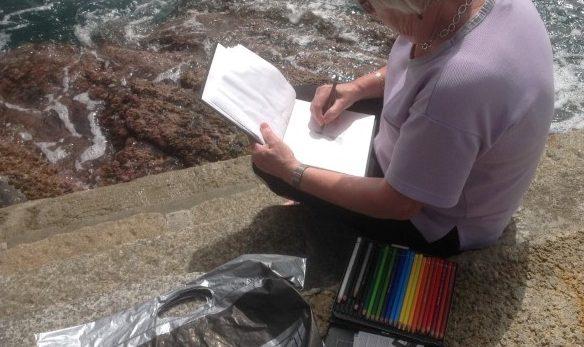 Malekursus-p-kanten-af-havet-ved-Cinque-Terre